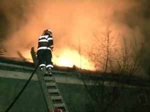 incendiu-acoperis-300x225