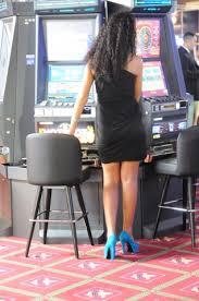 femeie-la-jocuri-de-noroc