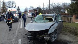 accident-cu-trei-raniti-horodnic-de-sus-suceava-300x169